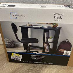 Kids Desk for Sale in Salinas,  CA