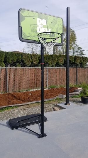 Basketball hoop for Sale in Sedro-Woolley, WA