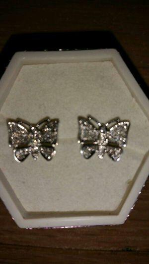 10k white gold diamond earrings $300 for Sale in Detroit, MI