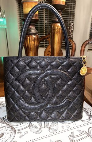 Chanel Quilted Medallion Tote Black Caviar Leather Shoulder Bag for Sale in Columbia, MD