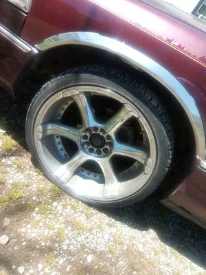 Universal. 20 inch rims for Sale in New Albany, MS