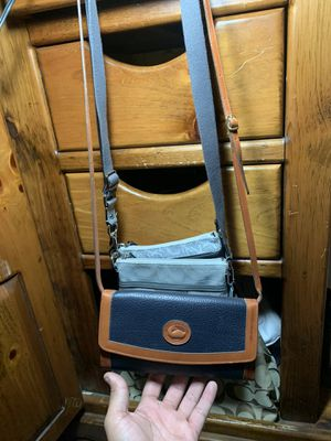 Doonie and Bourke all weather cross body purse in perfect condition asking $100 obo for Sale in Fullerton, CA