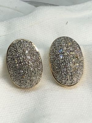 Diamond gold vintage earring Christmas 90% off $499. Is before$2990 for Sale in Houston, TX