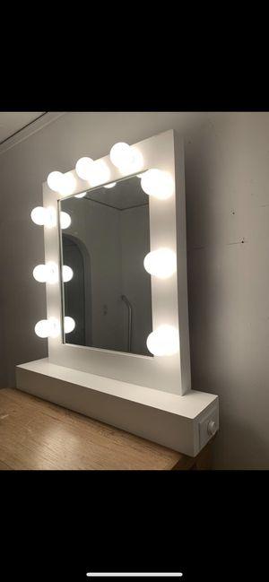 Makeup Vanity mirror new for Sale in Los Angeles, CA