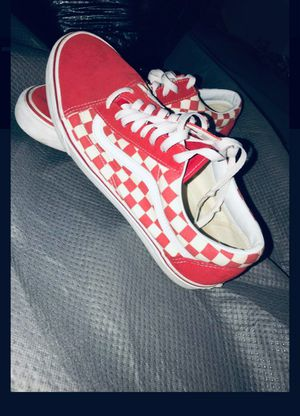 Sz 11.5 red checkered vans for Sale in Edgewood, WA