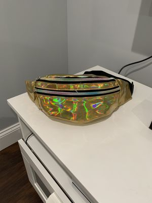 Gold Fanny Pack for Sale in Queens, NY