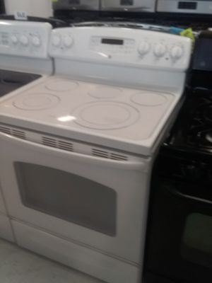 Ge electric stove used good condition 90days warranty for Sale in Mount Rainier, MD