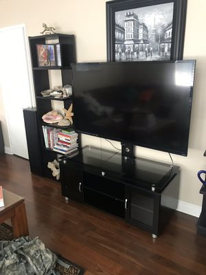 Both tv and tv stance for Sale in Fontana, CA