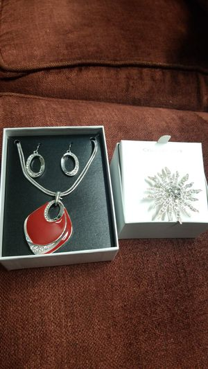2 PCS OF JEWELRY COMBO for Sale in Fort Belvoir, VA