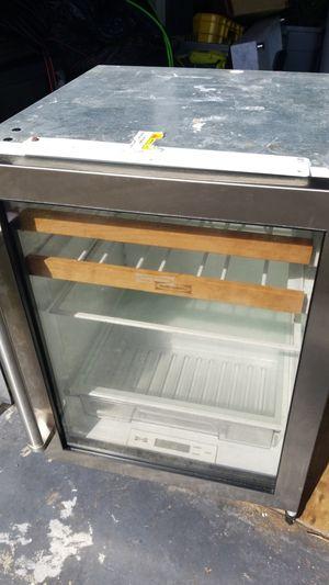 Wine refrigerator Sub Zero 24 for Sale in Miami, FL