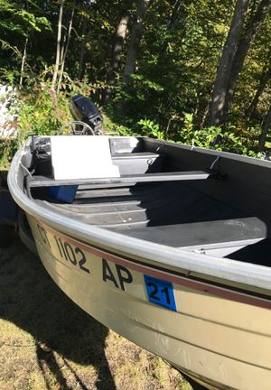 14 ft aluminum fishing boat ready for water for Sale in Shelton, CT