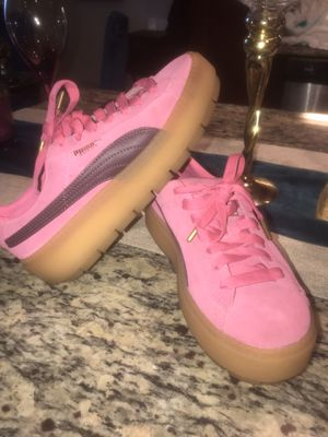 Puma creepers women size 7.5 excellent condition for Sale in Oakland, CA