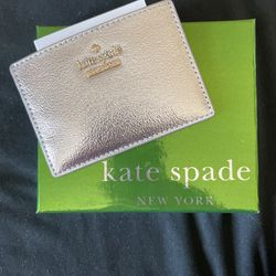 KATE SPADE, KATE SPADE CARD HOLDER, SILVER for Sale in San Bernardino,  CA