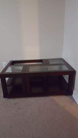 A nice table for living room for Sale in Sudley Springs, VA