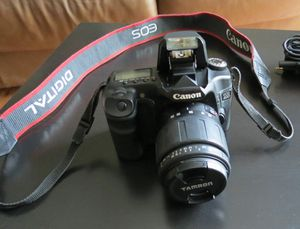 Canon EOS 40d SLR Digital Camera with Charger, Tamron Lens, Bag for Sale in Chicago, IL