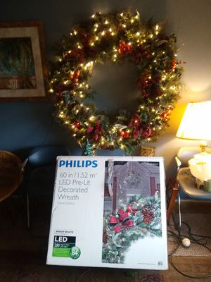 """Philips 60"""" Pre Lit LED 280 warm White led lights Decorated Christmas Wreath-Christmas Indoor/Outdoor. for Sale in Orange, CA"""