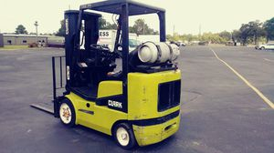 Clark 5000 lbs capacity forklift for Sale in Houston, TX