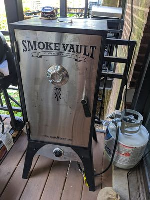 Smoke Vault 18 propane smoker BBQ grill for Sale in Chicago, IL