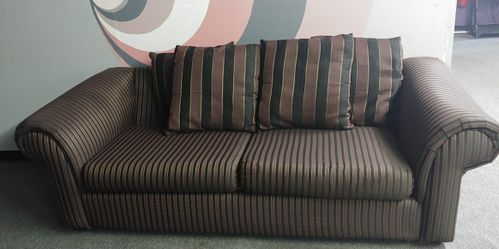Couch & Loveseat for Sale in Maple Heights,  OH