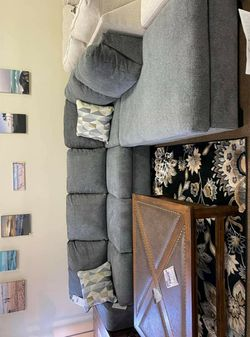 🔥Best Price Brand🆕️ Dalhart Gray Sectional for Sale in Alexandria,  VA
