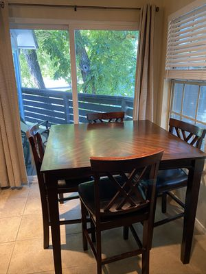 Kitchen table and chairs for Sale in Austin, TX