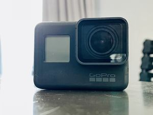 GoPro 5 Black with accessories for Sale in Los Angeles, CA
