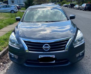 Very clean Nissan Altima 2013 for sale for Sale in TEMPLE TERR, FL