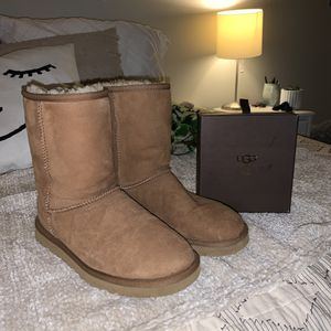 chestnut ugg boots for Sale in Oregon City, OR