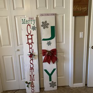 Double sided welcome signs and stockings what needs for Sale in Lemoore, CA