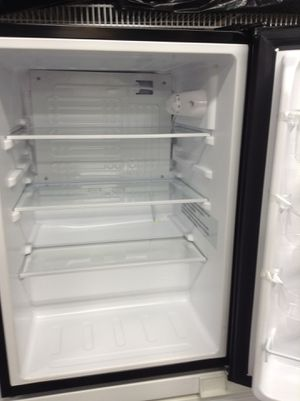 """INSIGNIA PORTABLE REFRIGERATOR : 27 1/2"""" high X 17"""" wide X 18"""" deep for Sale in Silverdale, WA"""