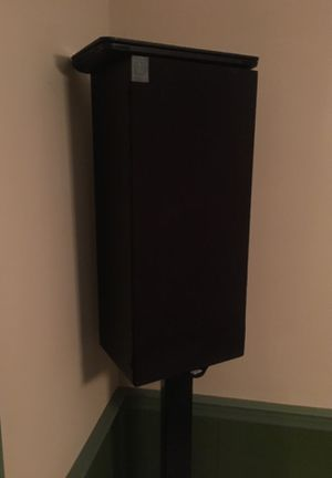 Delta 90 Speaker plus Stand for Sale in Fuquay-Varina, NC