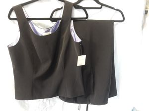 New Women's Liz Claiborne set beautiful flowing trouser pants and a matching top for Sale in Puyallup, WA