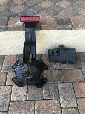 Jeep Jk stock Tire mount and license plate mount for Sale in Coconut Creek, FL