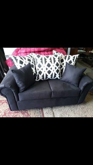2 pc Sofa and Loveseat for Sale in High Point, NC