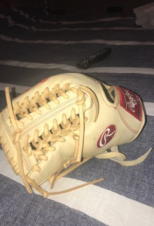 Rawlings Heart of the Hide Baseball Glove 11 3/4 left handed for Sale in Las Vegas, NV