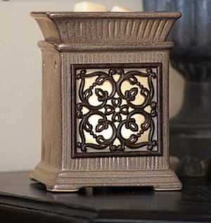 NEW Scentsy Warmer Premium Size Jane for Sale in ROWLAND HGHTS, CA