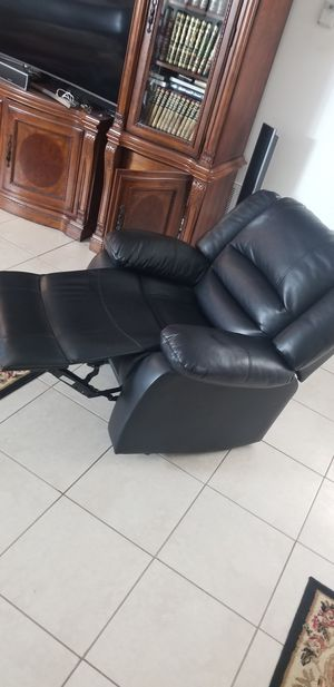 Recliner chair for Sale in Lake Worth, FL