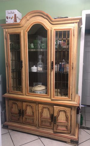 China Cabinet with matching Table for Sale in Taylor, TX