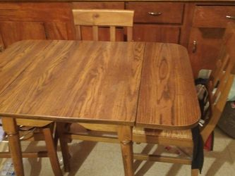 Smaller Matching Kitchen Table And Chairs for Sale in Davenport,  IA