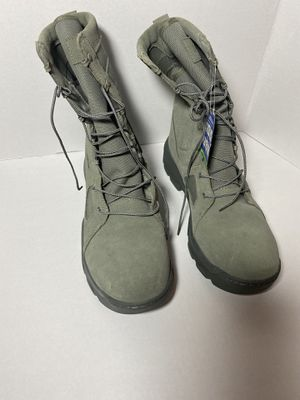 Under Armour Men's size 13 Work Boot/Snow Boots. for Sale in San Jose, CA