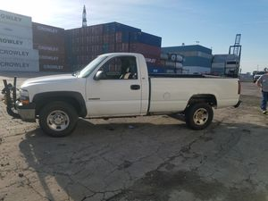 2000 Chevy Silverado 2500hd 4x4 with plow for Sale in Rutledge, PA