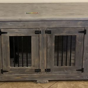Xxl Double Den Dog Entertainment Cent/ Kennel Furniture for Sale in Baytown, TX
