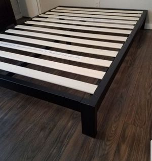 Platform bed frame Queen size. New. Free delivery. $75 for Sale in Modesto, CA