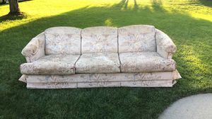 Vintage Couch for Sale in El Dorado, KS