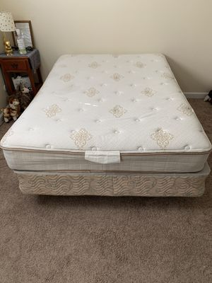 Full (double) bed, box spring, and frame for Sale in Sacramento, CA
