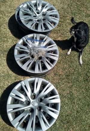 Toyota Camry wheel covers and/ or steel rims for Sale in Glendale, AZ