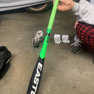 Easton Metal Baseball Bat for Sale in Salinas, CA