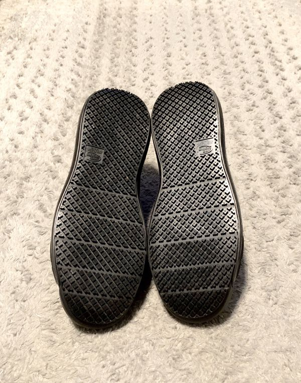 New! Mens Shoes For Crews paid $89 Size 10.5 Brand New never worn! Made from durable, lightweight synthetic mesh material. Non slip-design minimizes