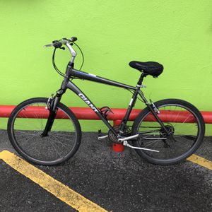 Giant Sedona Man's 21 - Speed Large Frame Mountain Bike 10012145-2 for Sale in Tampa, FL