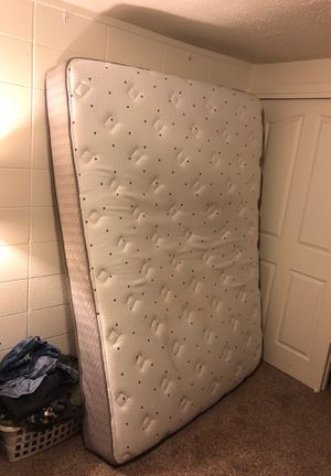 Queen bed for Sale in Yakima, WA